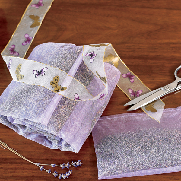 lavender-sachets-by-the-yard-203[1]